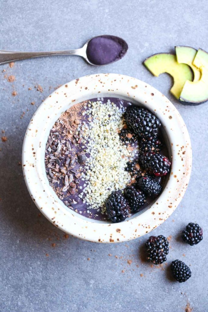 blackberry-avocado-smoothie-bowl