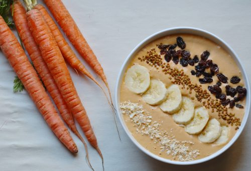 A smoothie you eat with a spoon. Wait...a CARROT CAKE smoothie that you eat with a spoon! Healthy quick plant based breakfast!