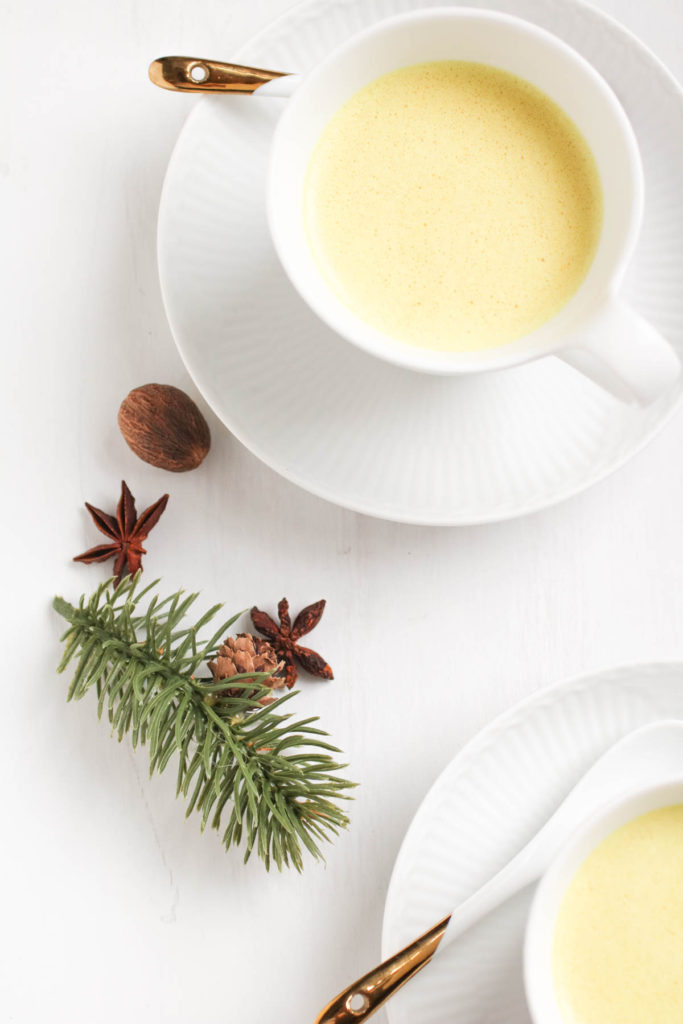 This easy recipe for Vegan Turmeric Eggnog reinvents a holiday classic with added functional healthy ingredients, and a special anti-inflammatory spice twist| abraskitchen.com
