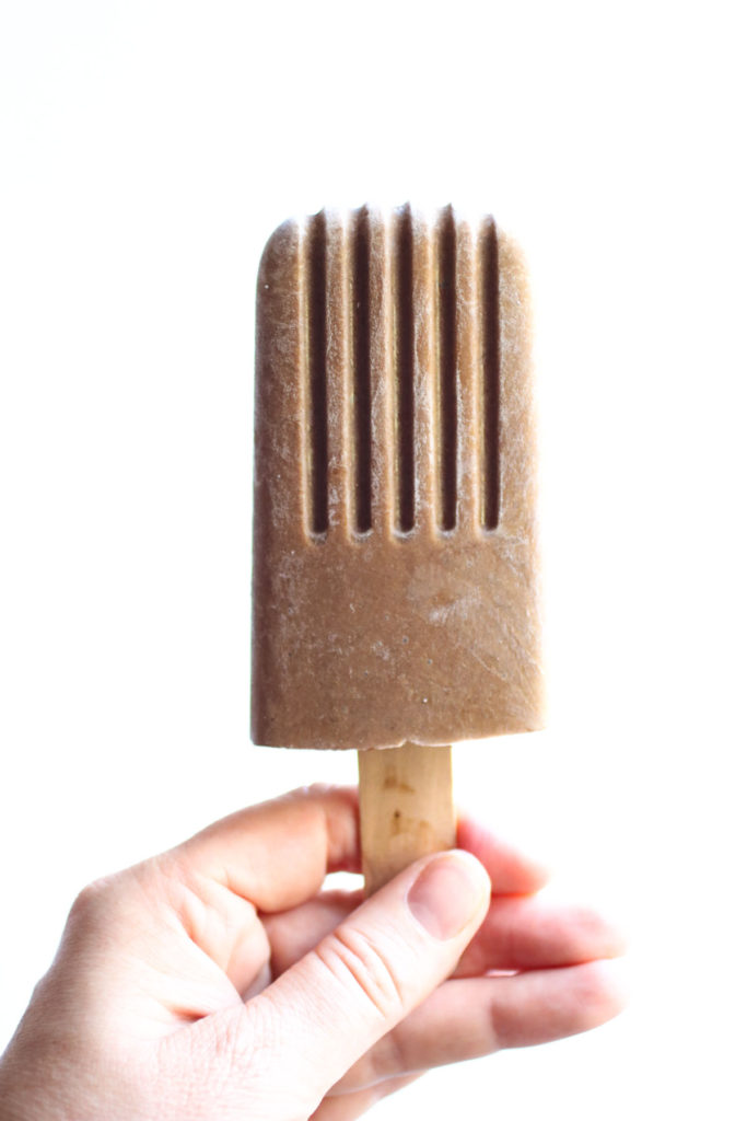 Healthy homemade dairy free fudgesicles with avocado and chia seeds! A tasty quick and easy frozen treat. |abraskitchen.com