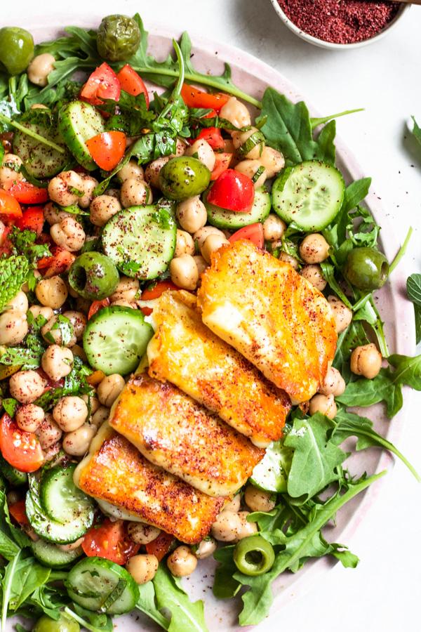 Healthy Mediterranean Chickpea Salad