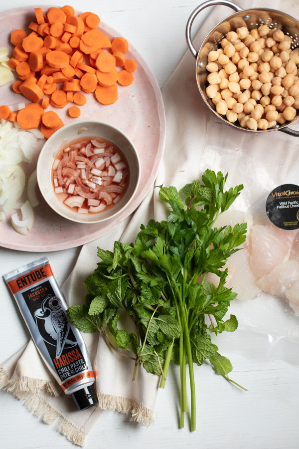 Ingredients for baked halibut with chickpeas and carrots
