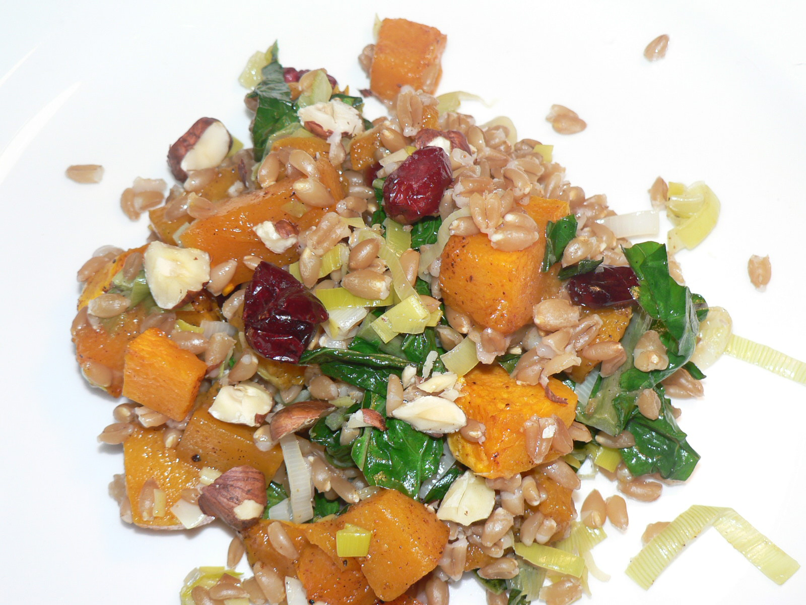 The perfect hearty fall salad, a vegan butternut squash and kale farro salad recipe. Farro is a grain, derived from wheat, it has a fantastic nutty flavor and is the perfect vehicle for fall flavors.