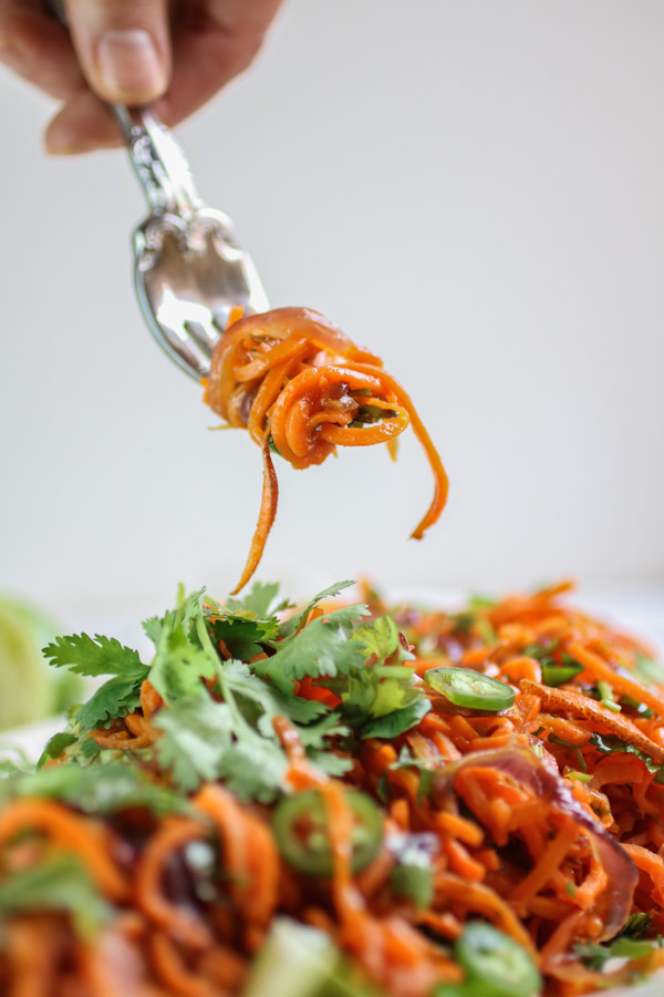 Spiralized sweet Potato Noodles with Jalapeno Lime Dressing, spiralized sweet potato, fresh cilantro, spicy jalapeno and tangy lime juice. Vegan, gluten free, paleo, Whole30| abraskitchen.com